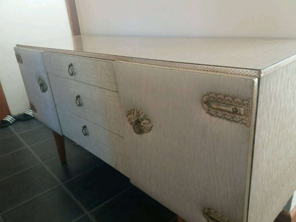 Gumtree With Regard To 2019 Leven Wine Sideboards (View 15 of 20)