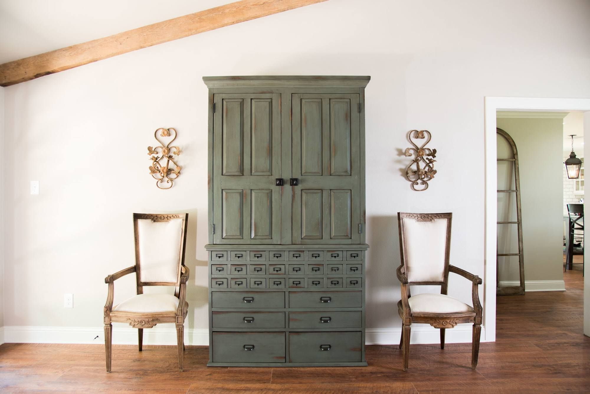 Magnolia Home Homestead 3 Piece Sectionals By Joanna Gaines Within 2018 Adorable Ashley Furniture Magnolia Home Or Magnolia Homejoanna (View 13 of 20)
