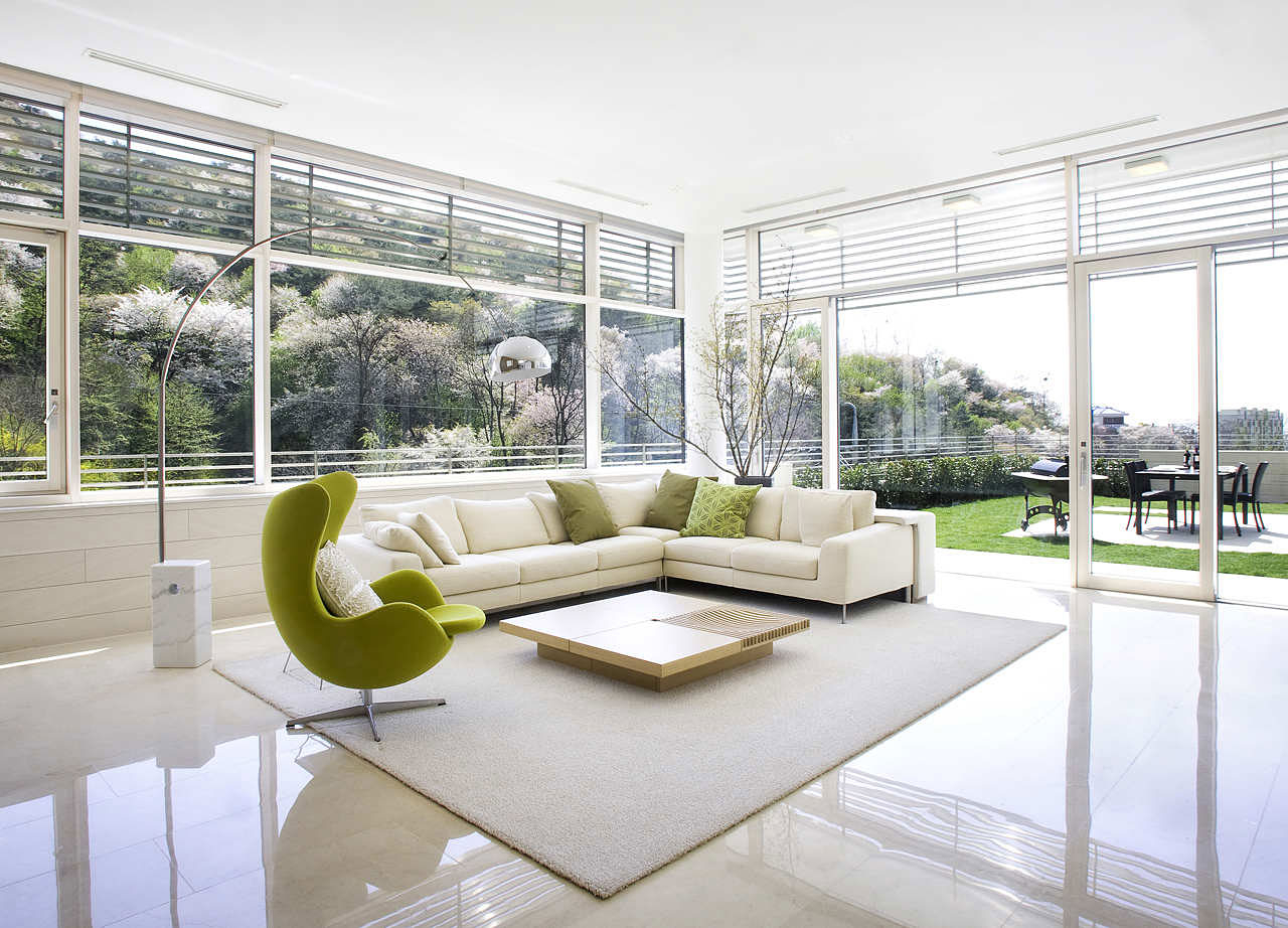 Mid Century Modern Living Room With Large Glass Wall Design And With Most Current Mid Century Modern Egg Tables (View 20 of 20)