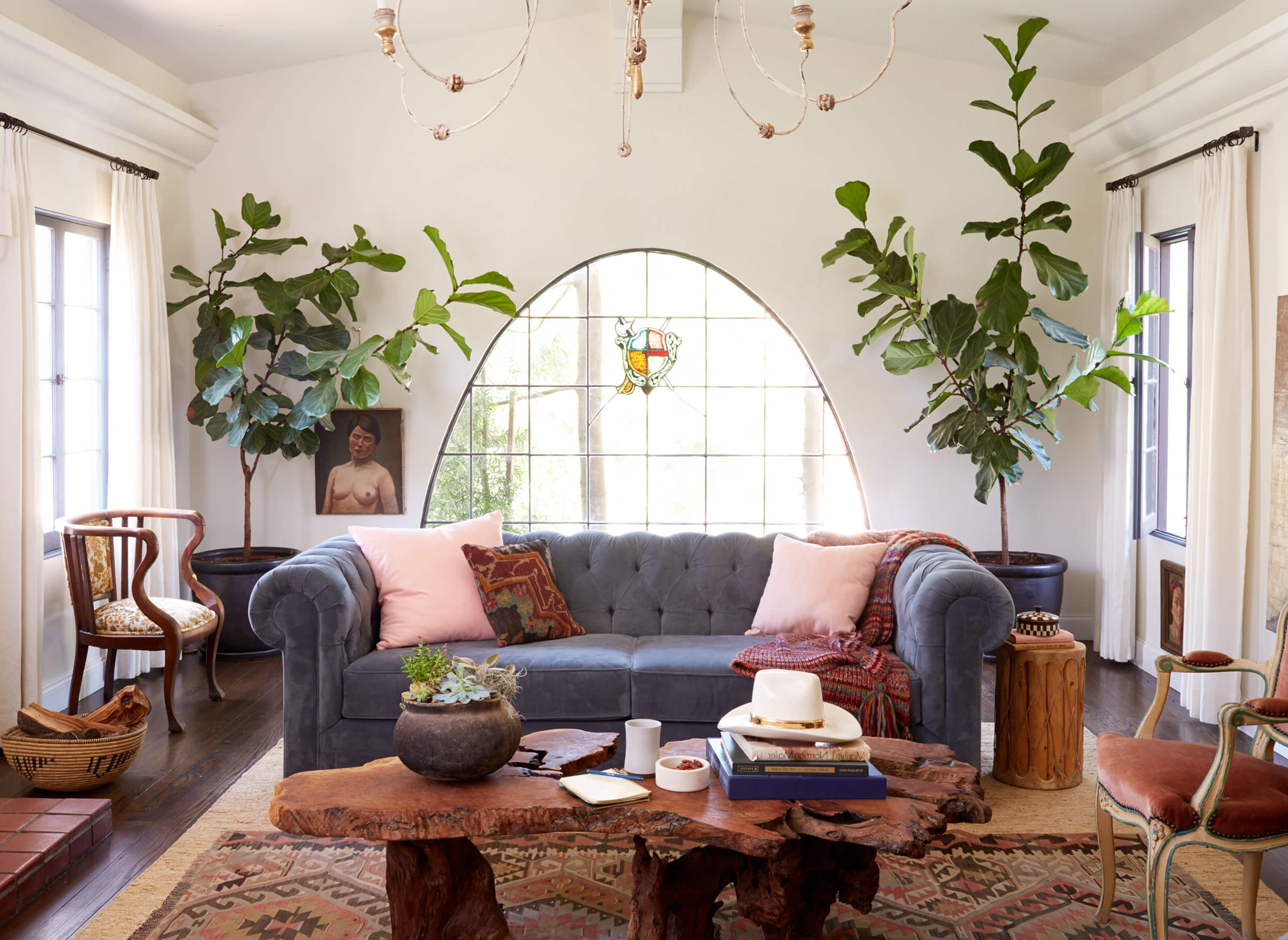 Power Couples: Sofas And Coffee Tables – Emily Henderson Pertaining To Well Liked Peekaboo Acrylic Tall Coffee Tables (View 17 of 20)