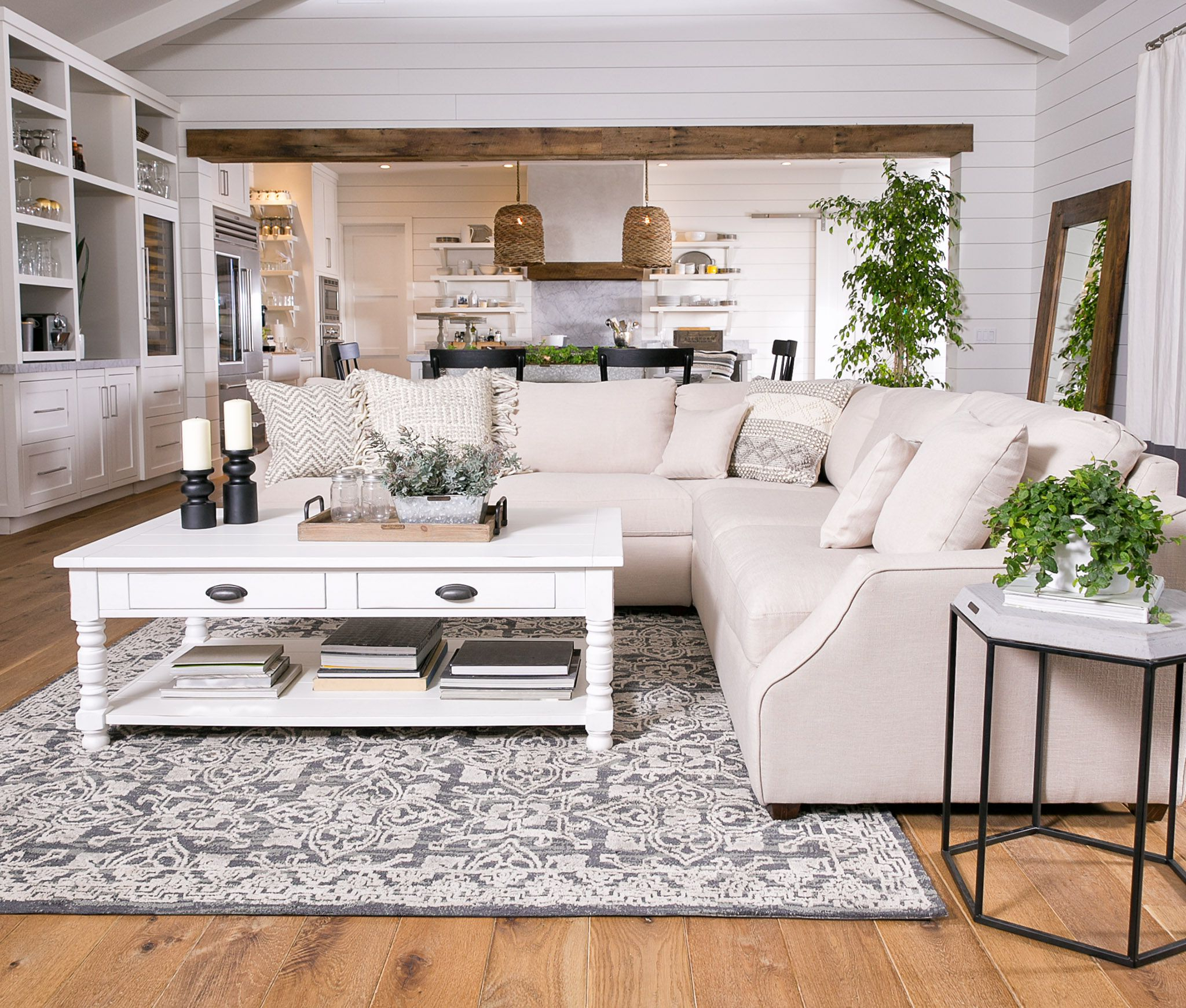 Trendy Magnolia Home Homestead 3 Piece Sectionaljoanna Gaines With Regard To Magnolia Home Homestead 4 Piece Sectionals By Joanna Gaines (View 13 of 20)