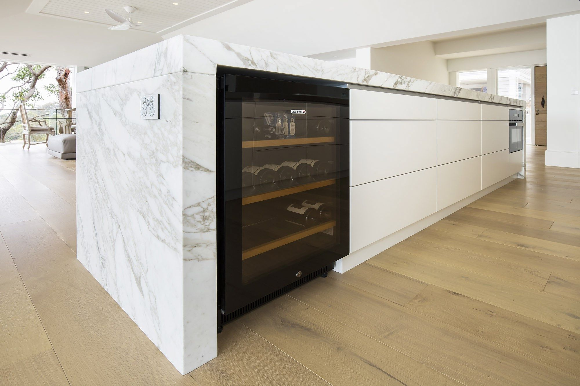 Vintec Wine Fridge. Luxury Entertainers Kitchen With Striking For Trendy Leven Wine Sideboards (Gallery 19 of 20)
