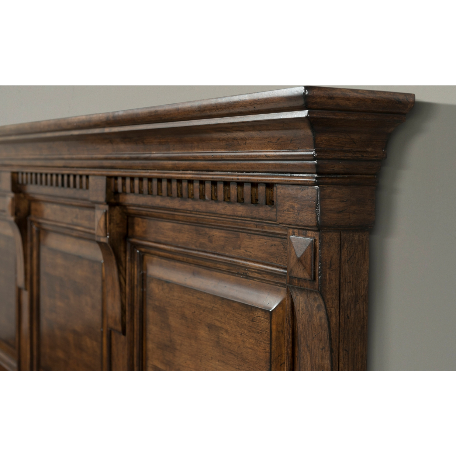 Walnut Finish Crown Moulding Sideboards Within Current Picket House Furniture Hx600Qb Henry Queen Bed In Rustic Walnut (Gallery 13 of 20)