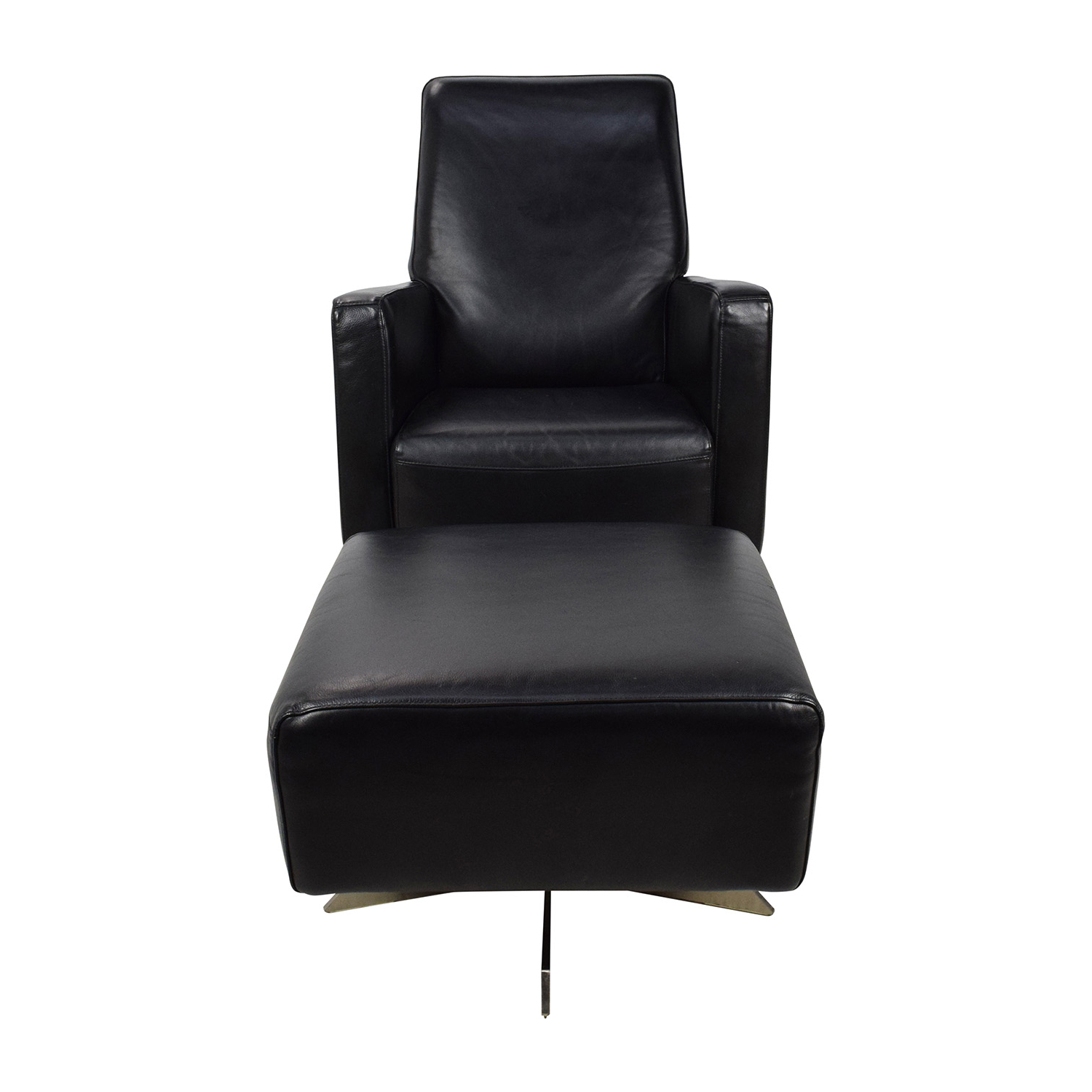 [%90% Off – Natuzzi Natuzzi Black Leather Swivel Chair With Ottoman Inside Most Recent Leather Black Swivel Chairs|leather Black Swivel Chairs With 2019 90% Off – Natuzzi Natuzzi Black Leather Swivel Chair With Ottoman|well Known Leather Black Swivel Chairs With Regard To 90% Off – Natuzzi Natuzzi Black Leather Swivel Chair With Ottoman|widely Used 90% Off – Natuzzi Natuzzi Black Leather Swivel Chair With Ottoman Intended For Leather Black Swivel Chairs%] (View 20 of 20)