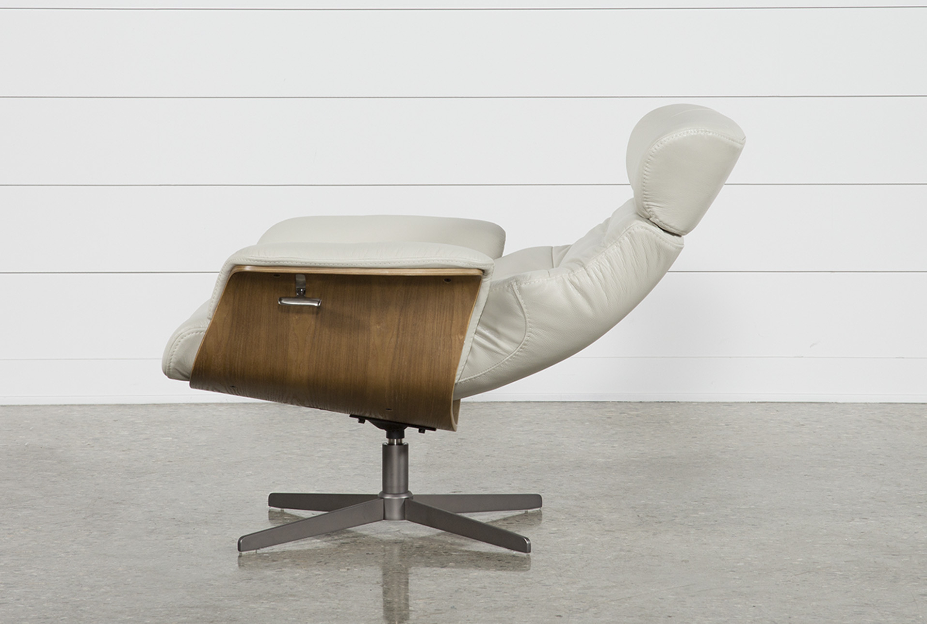Amala Bone Leather Reclining Swivel Chairs In Latest Amala Bone Leather Reclining Swivel Chair (View 3 of 20)