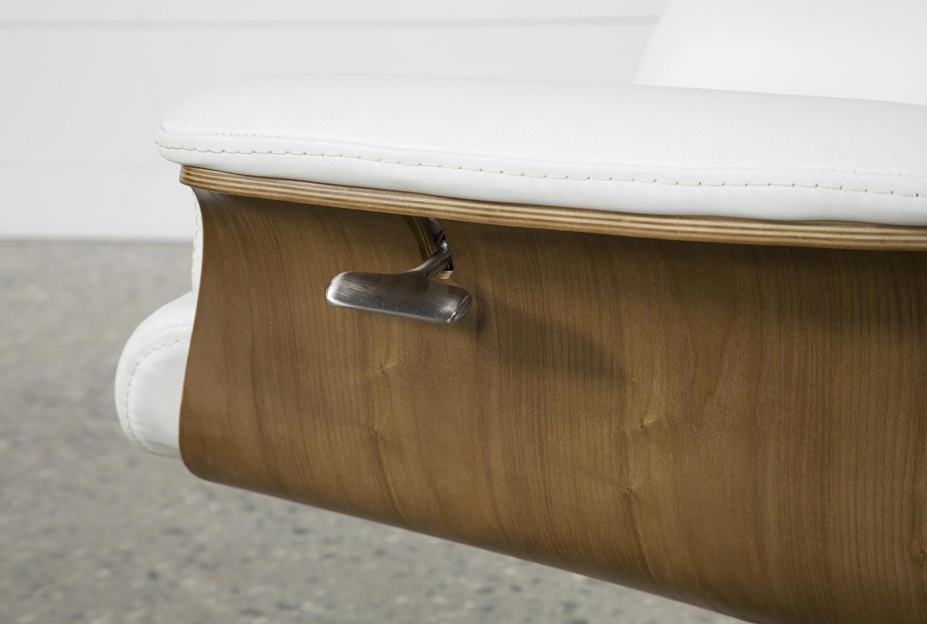 Amala White Leather Reclining Swivel Chairs With Best And Newest Amala White Leather Reclining Swivel Chair #whiteleatherchair (View 8 of 20)