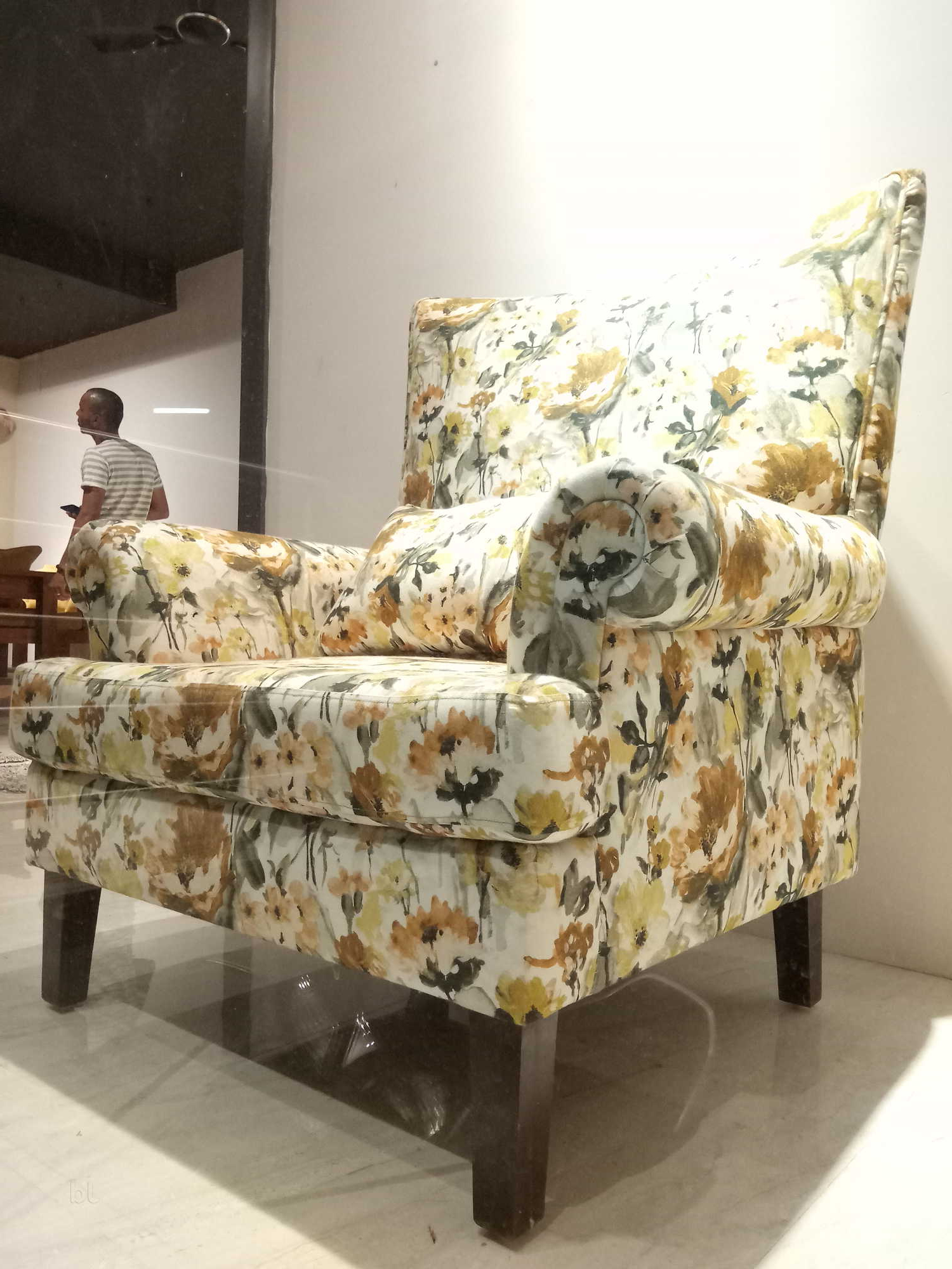 Fashionable Kiara Sofa Chairs Inside Kiara Living Photos, Vijaynagar 1St Stage, Mysore  Pictures & Images (Gallery 12 of 20)