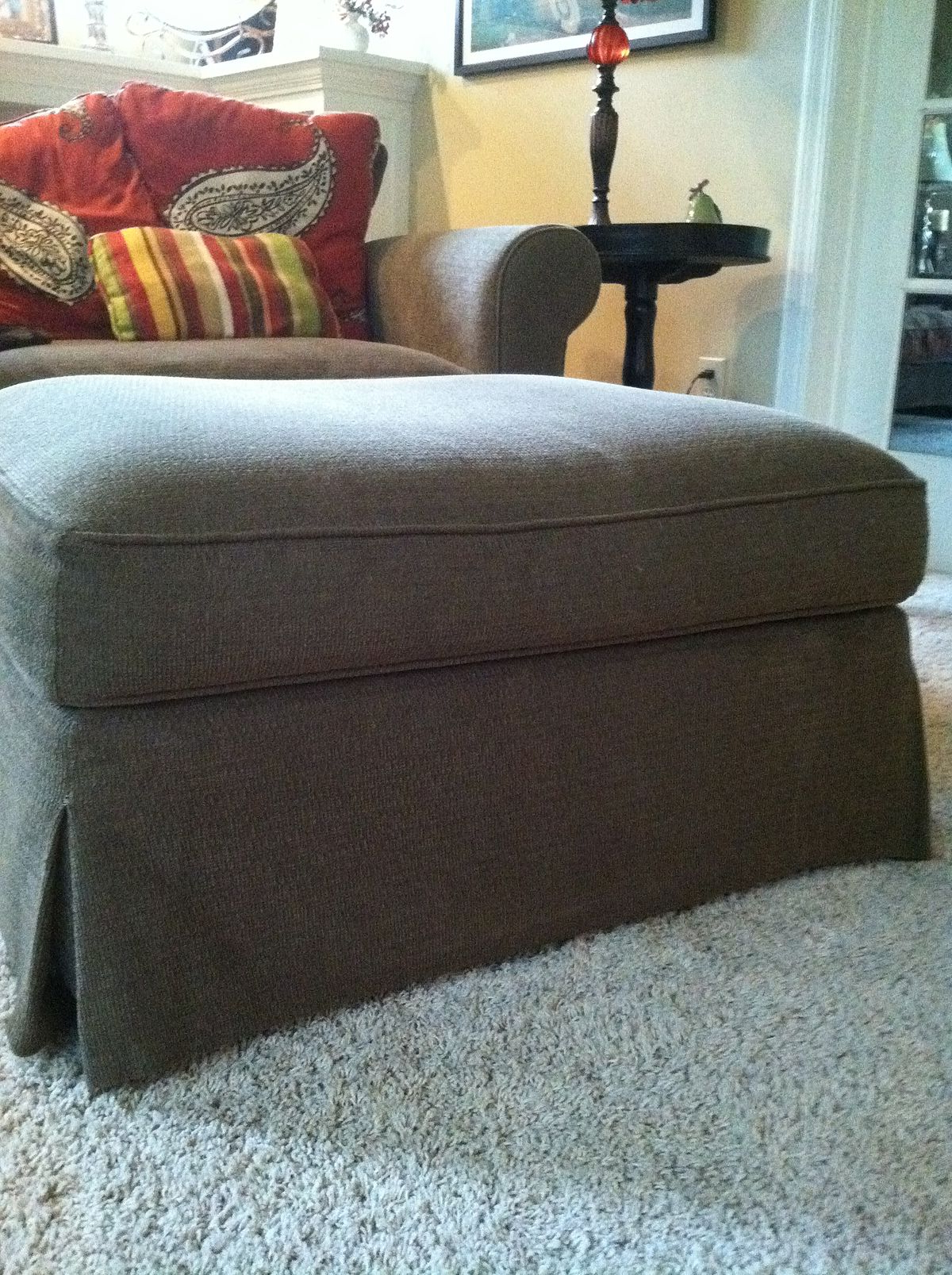 Most Current Ottoman (Furniture) – Wikipedia With Regard To Sofa Chair And Ottoman (View 11 of 20)