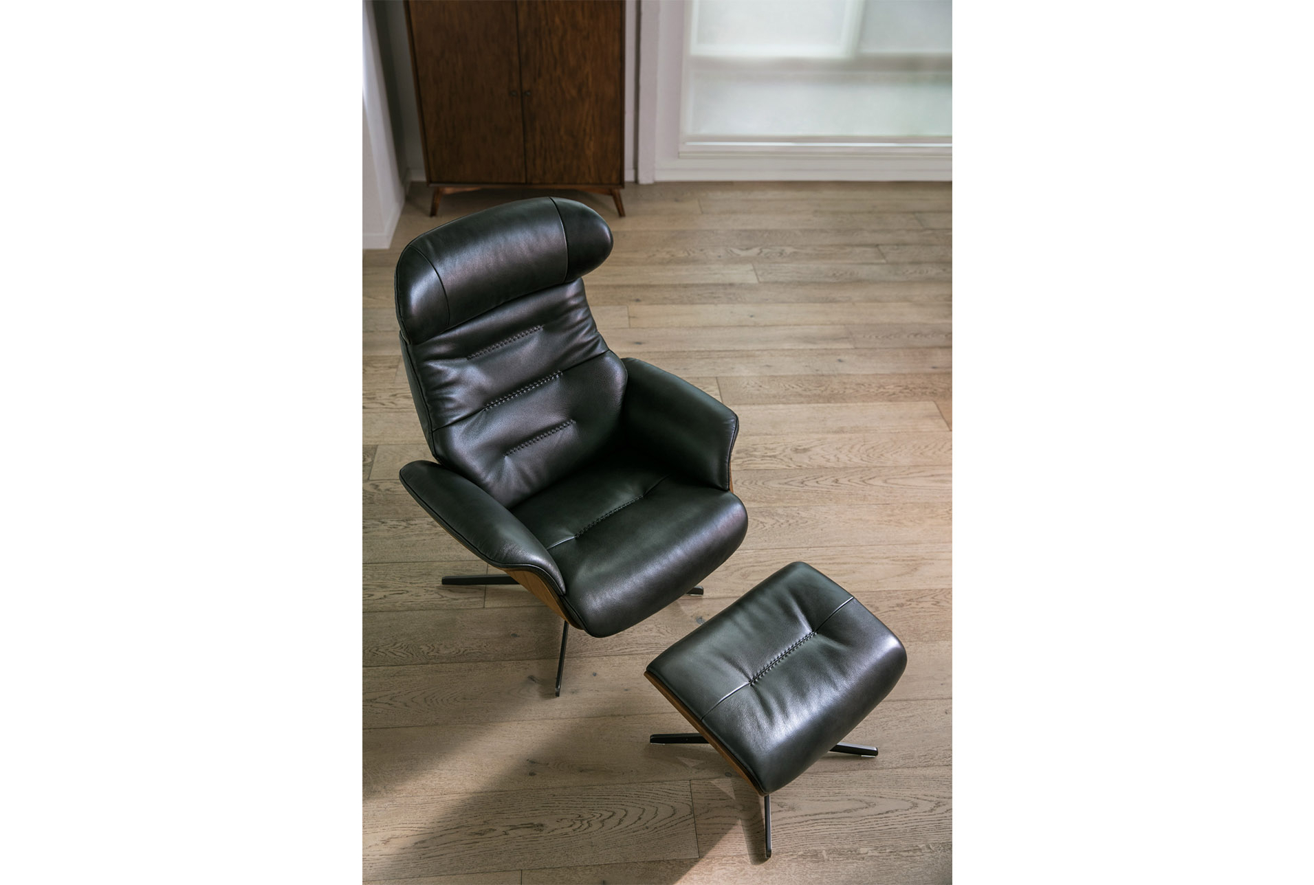 Most Recently Released Amala Dark Grey Leather Reclining Swivel Chair & Ottoman In 2018 Throughout Amala Dark Grey Leather Reclining Swivel Chairs (View 2 of 20)