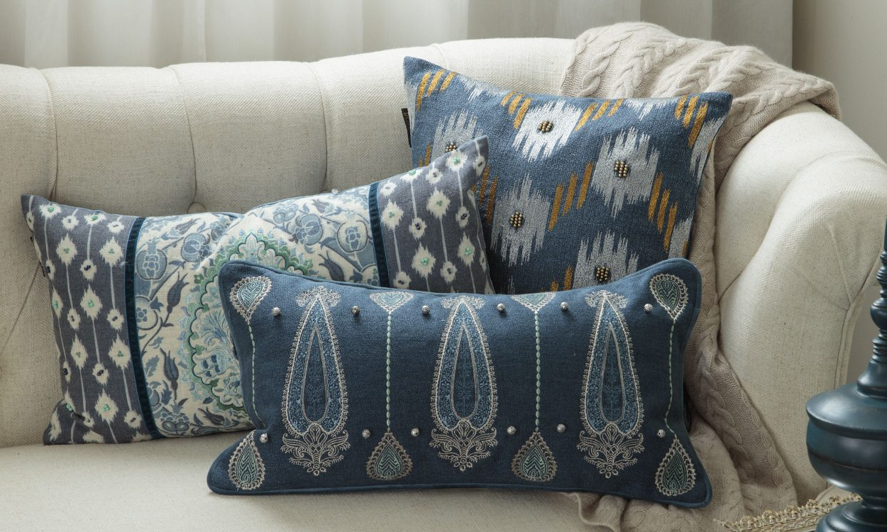 Throws For Sofas And Chairs Inside Well Known 5 Tips On How To Wash Your Throw Pillows – Overstock (View 18 of 20)