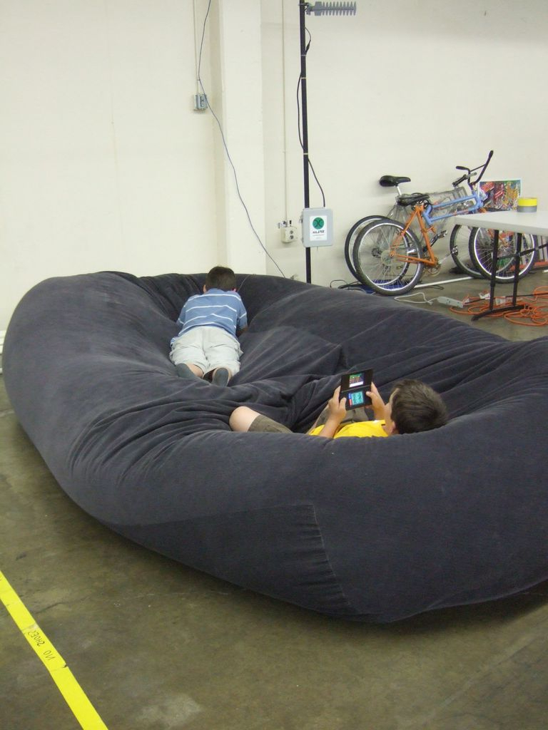 Well Known Bean Bag Sofa Chairs Throughout Bean Bag Sofa / Bed: 8 Steps (With Pictures) (Gallery 9 of 20)