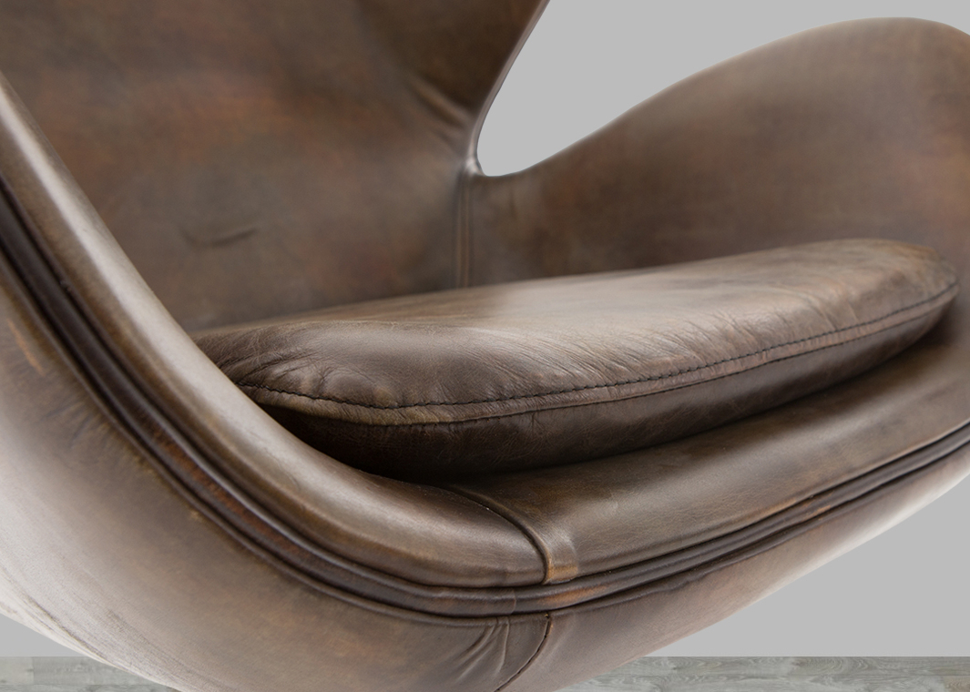 Well Known Espresso Leather Swivel Chairs With Classic England Espresso Toned Leather Swivel Chair (View 14 of 20)