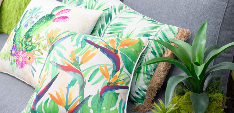 At Home Inside Greening Outdoor Daybeds With Ottoman & Cushions (View 3 of 20)