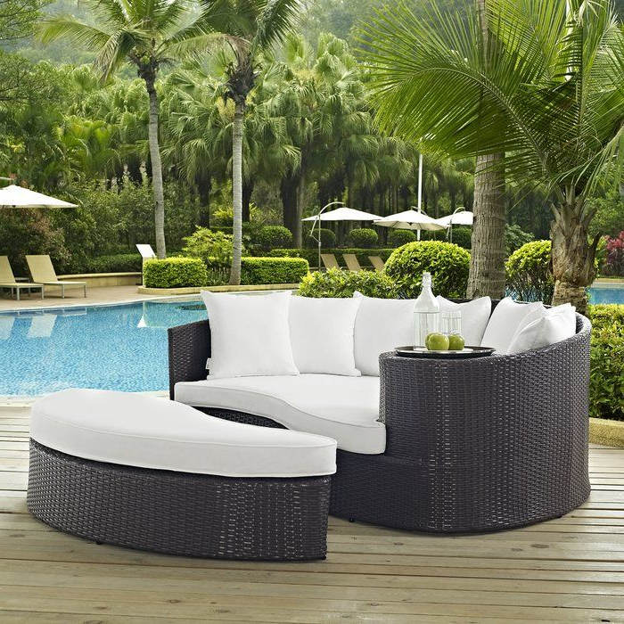 Brentwood Canopy Patio Daybeds With Cushions For Well Known Brentwood Outdoor Patio Daybed With Cushions (View 5 of 20)