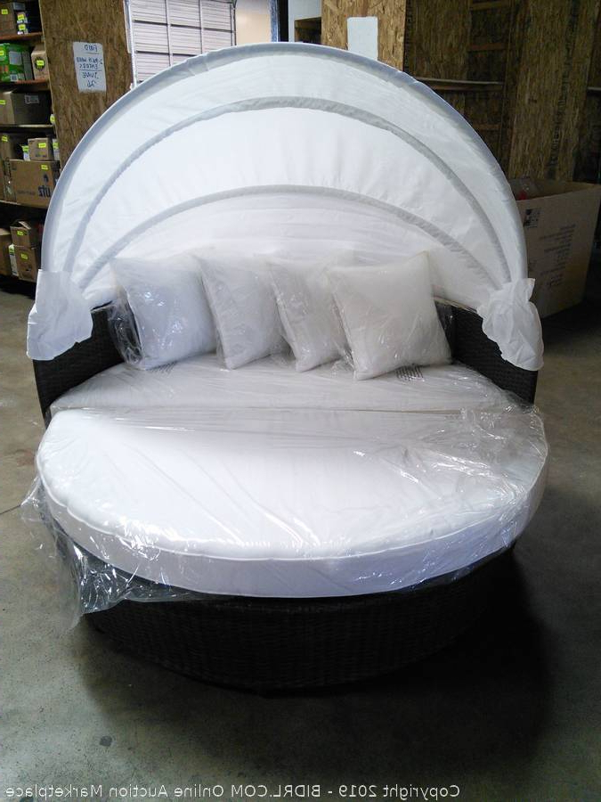 Carrasco Patio Daybeds With Cushions Intended For Current Bidrl Online Auction Marketplace – Auction: Carrasco (View 8 of 20)