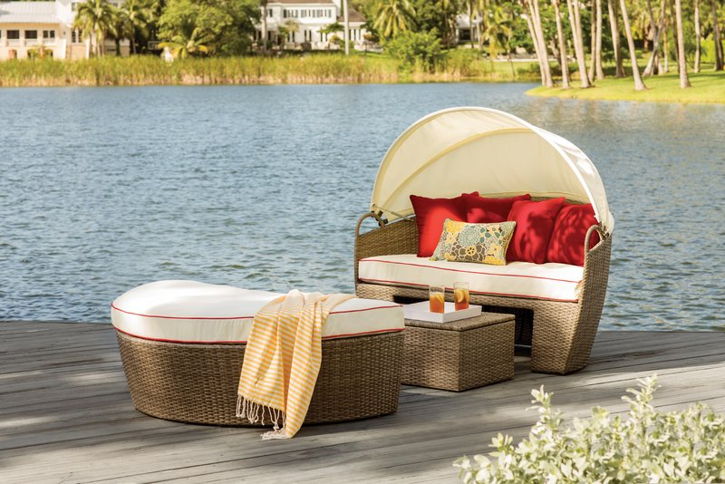 Fansler Patio Daybed With Cushions Regarding Best And Newest Falmouth Patio Daybeds With Cushions (View 8 of 20)
