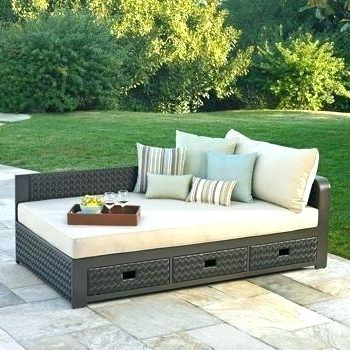 Fashionable Wicker Patio Daybed – Tecnomonkey.co Regarding Leiston Round Patio Daybeds With Cushions (Gallery 19 of 20)