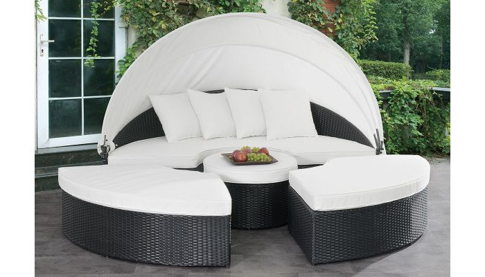 Latest Keiran Outdoor Daybed Set For Keiran Patio Sofas With Cushions (View 10 of 20)