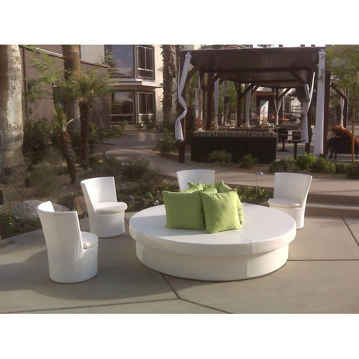 Most Popular Resort Patio Daybeds Intended For Sunpad Resort Patio Daybed (Gallery 2 of 20)
