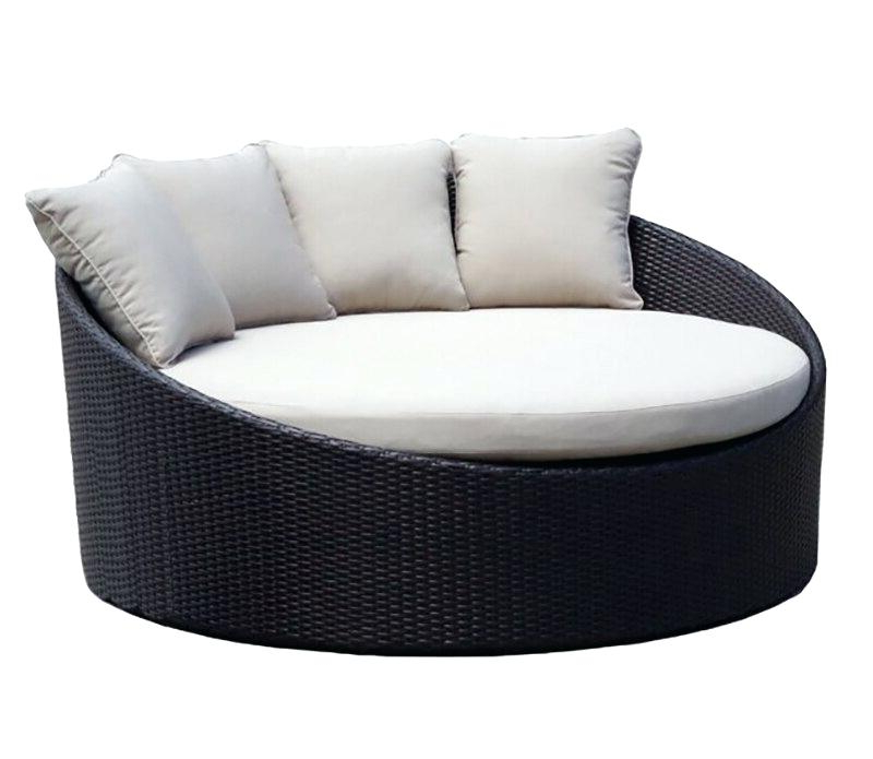 Outdoor Round Daybed – Jamilinhart.co Regarding Famous Leiston Round Patio Daybeds With Cushions (Gallery 8 of 20)