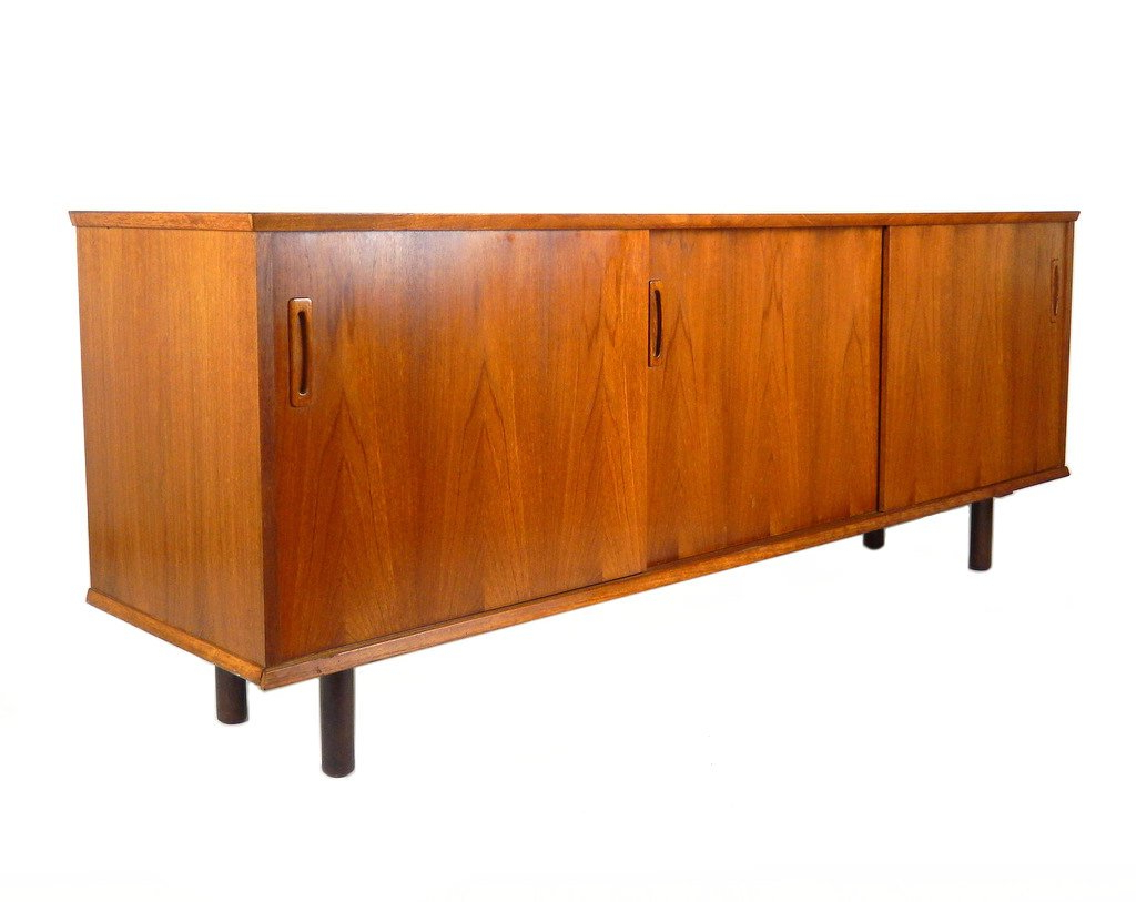 Popular 20 Of The Coolest And Modern Credenzas Decorate Interior Art With Regard To Kieth 4 Door Credenzas (View 16 of 20)