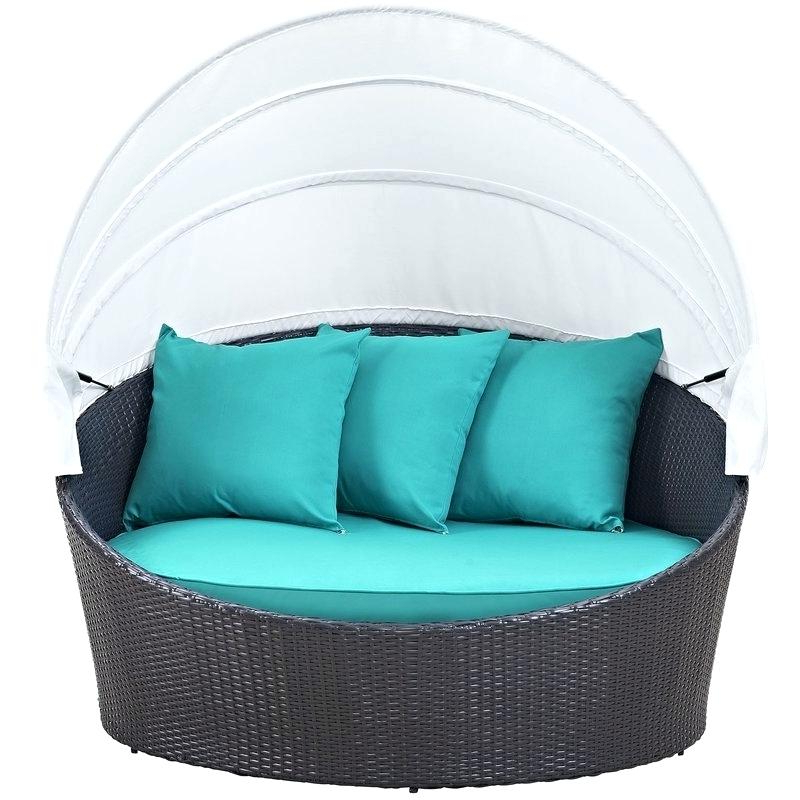 Trendy Wicker Daybed With Canopy – Ideasforlandscaping (View 14 of 20)