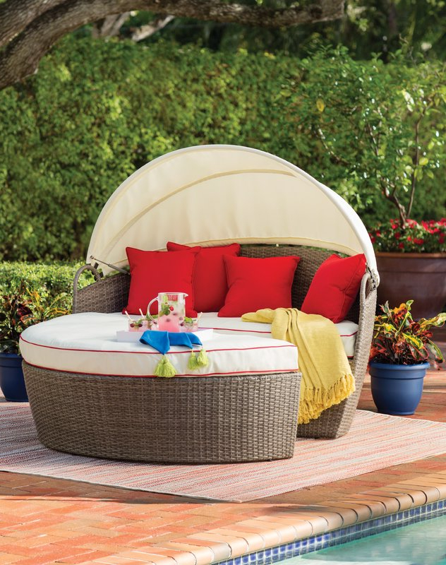 Well Known Best Outdoor Daybed Reviews: Check Out These Top 10 Choices! Pertaining To Aubrie Patio Daybeds With Cushions (View 17 of 20)