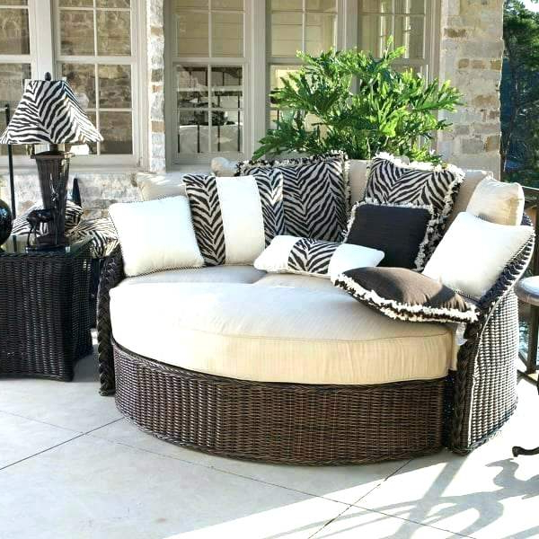Wicker Daybed With Canopy – Searchingforrain.co Intended For Recent Aubrie Patio Daybeds With Cushions (Gallery 20 of 20)