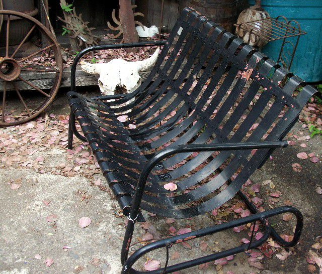 1 Person Antique Black Steel Outdoor Gliders Throughout Most Recent How To Shop For Vintage Outdoor Furniture (View 18 of 20)