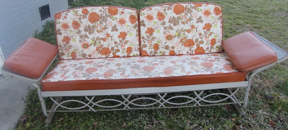 Metal Vintage Cushioned Porch Gliders,old Metal Gliders With Trendy Cushioned Glider Benches With Cushions (View 8 of 20)