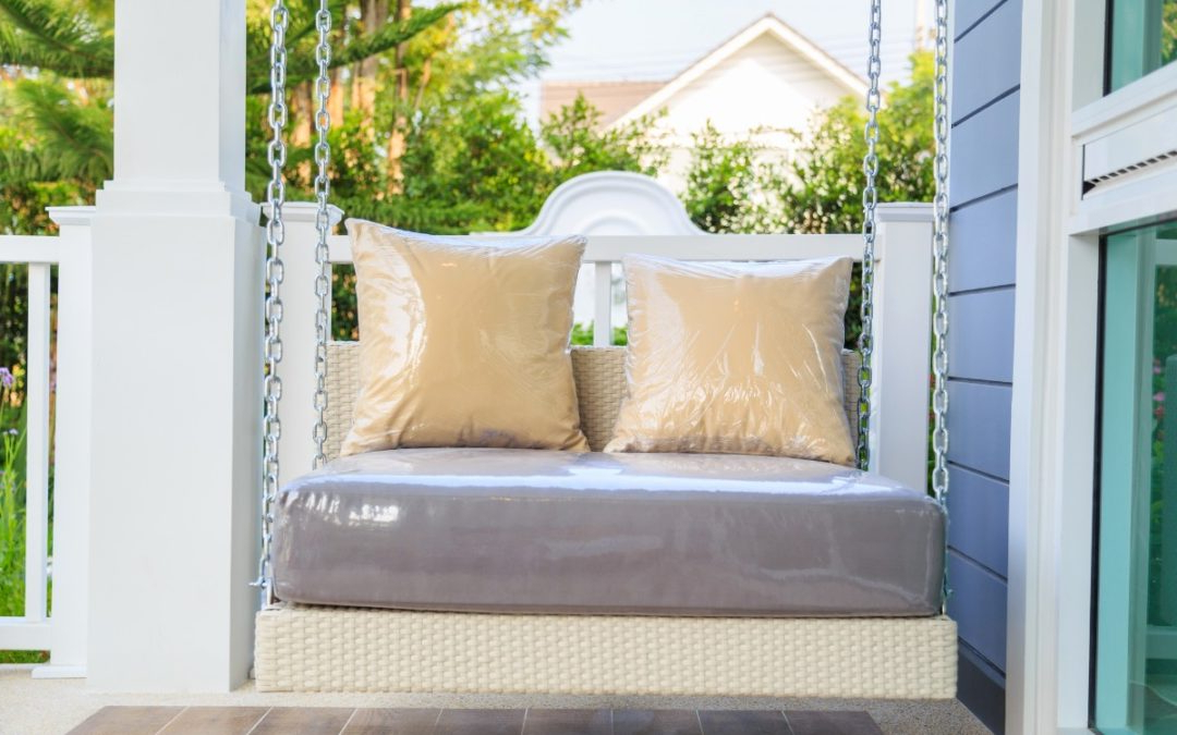 Plain Porch Swings In Popular Top 5 Porch Swings For Rest & Relaxation – True Relaxations (Gallery 12 of 20)