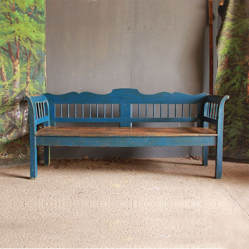 Preferred A Windsor Style Spindled Bench With Decorative Curves – This Throughout Avoca Wood Garden Benches (View 18 of 20)