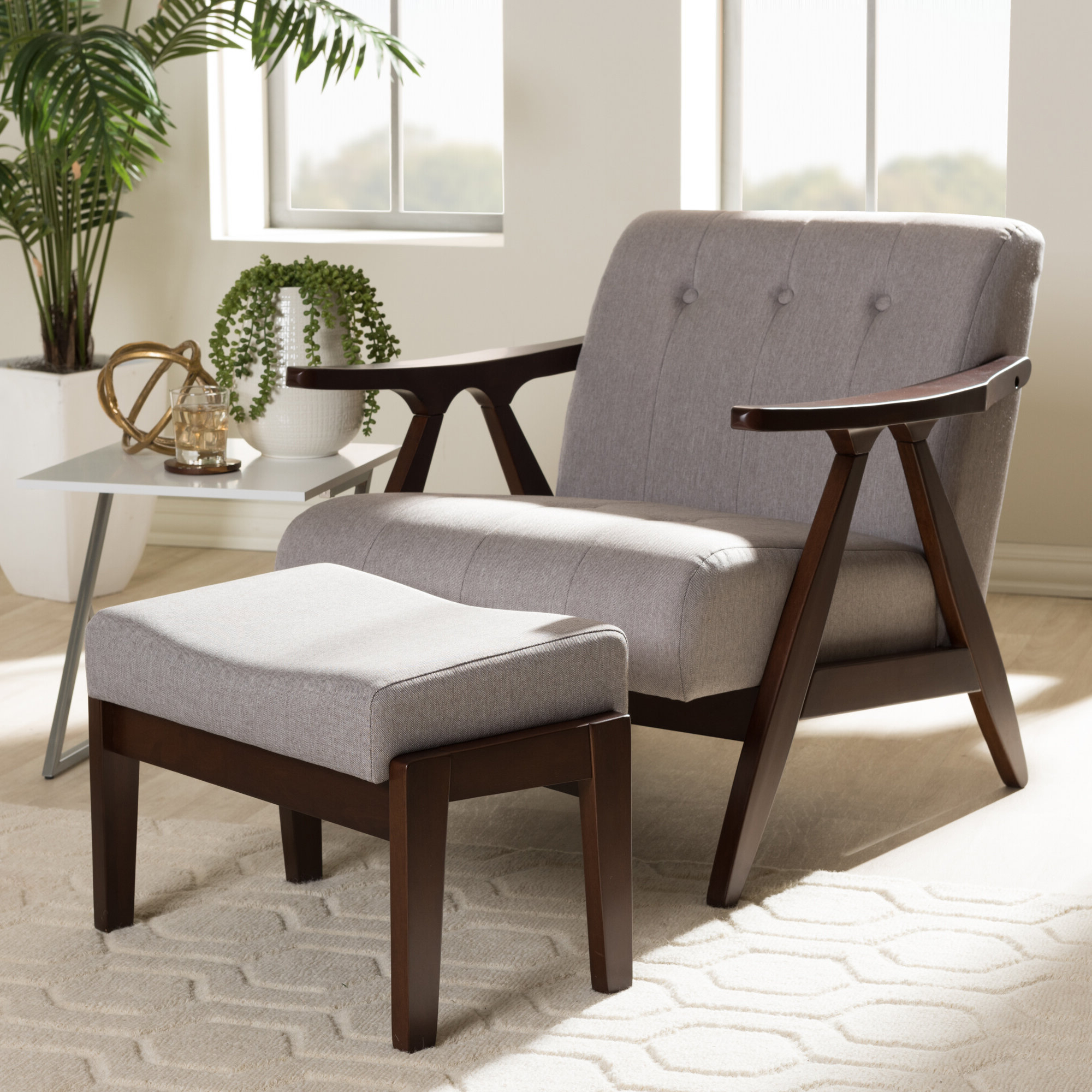 Artemi Barrel Chair And Ottoman Sets Within Most Recent Enrico Lounge Chair And Ottoman (View 8 of 20)