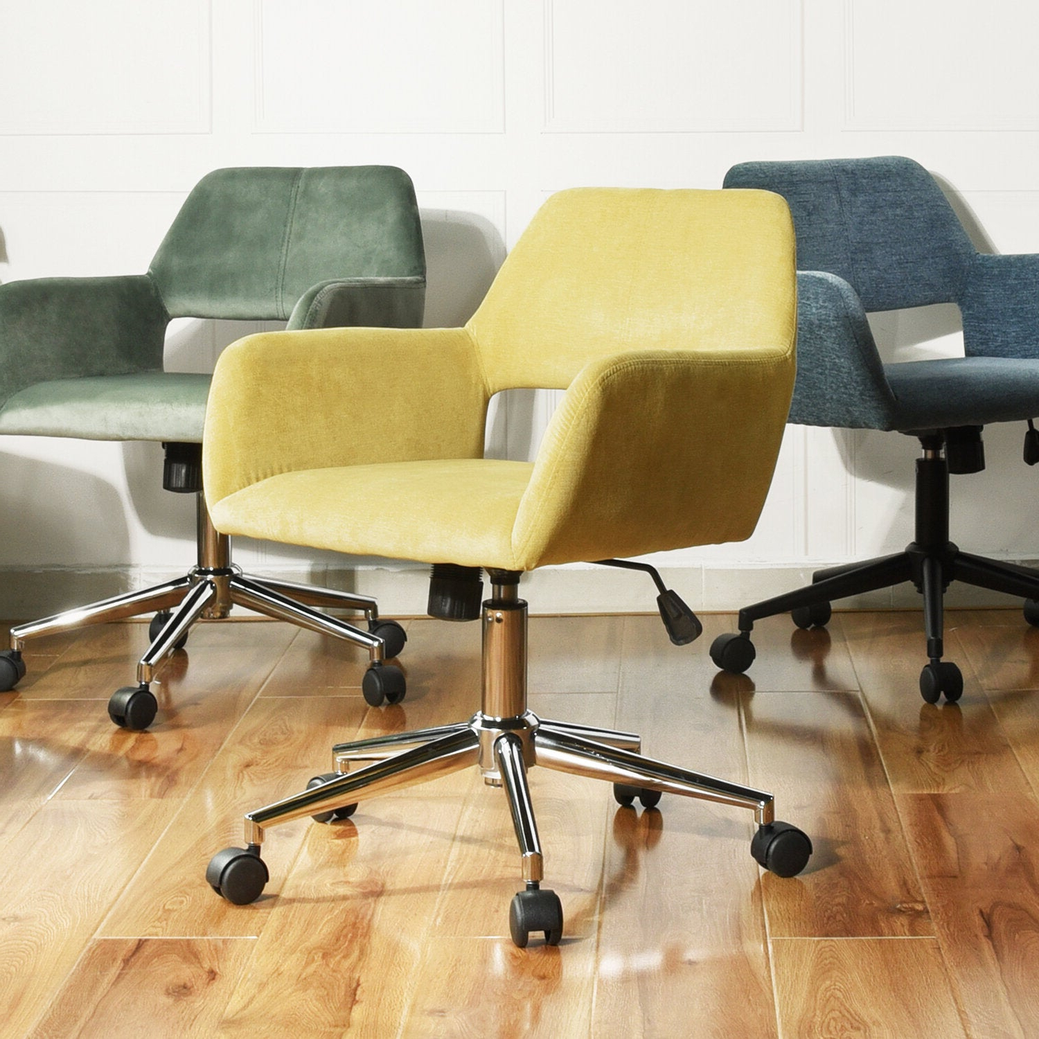 Sabrina Velvet Home Office Swivel Chair Throughout Current Brister Swivel Side Chairs (View 13 of 20)