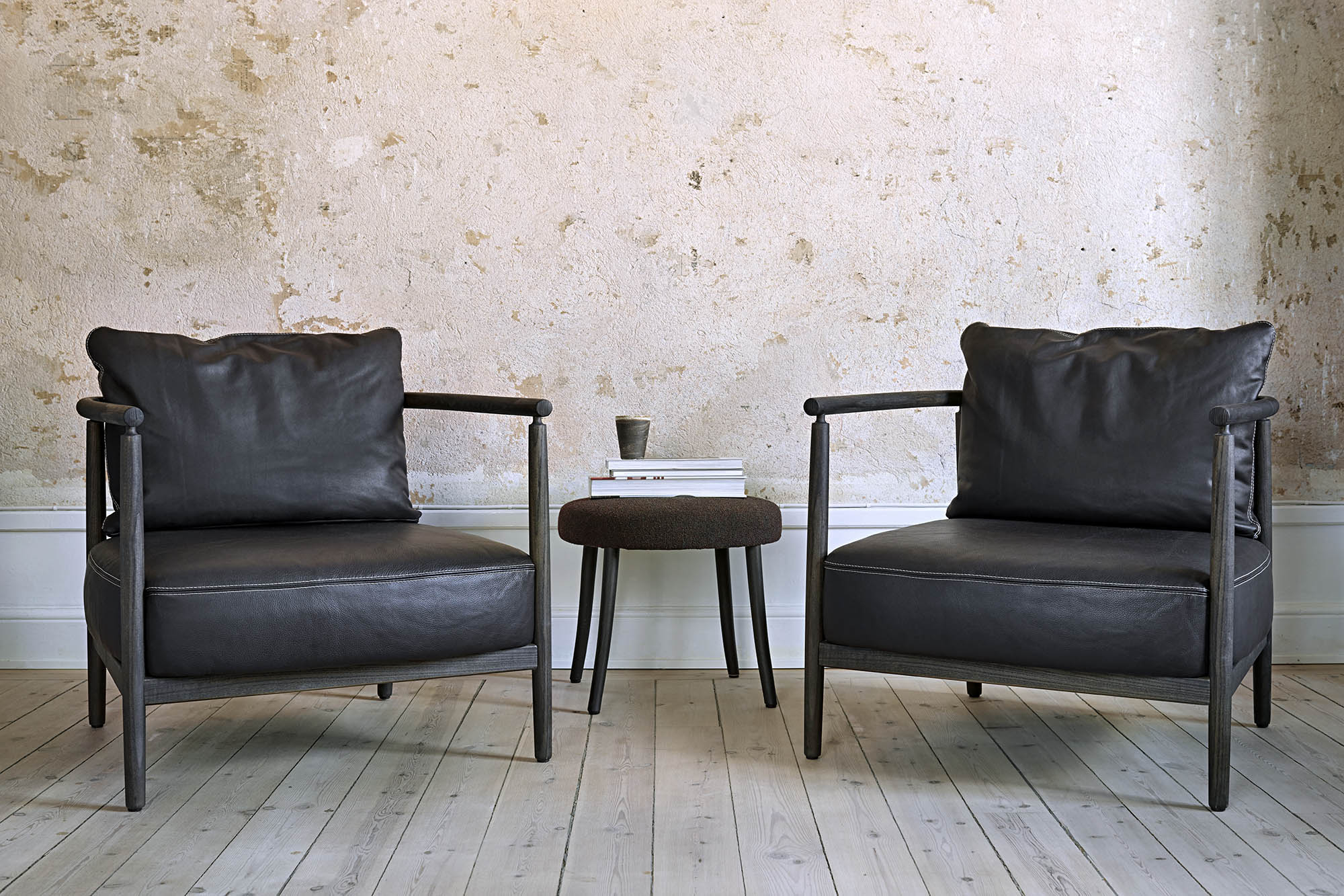 Trendy Helder Armchairs Throughout Armchair, Humble, Pierre Sindre, Wood Brown / Fabric Brown / Pillow Leather Brown (View 10 of 20)