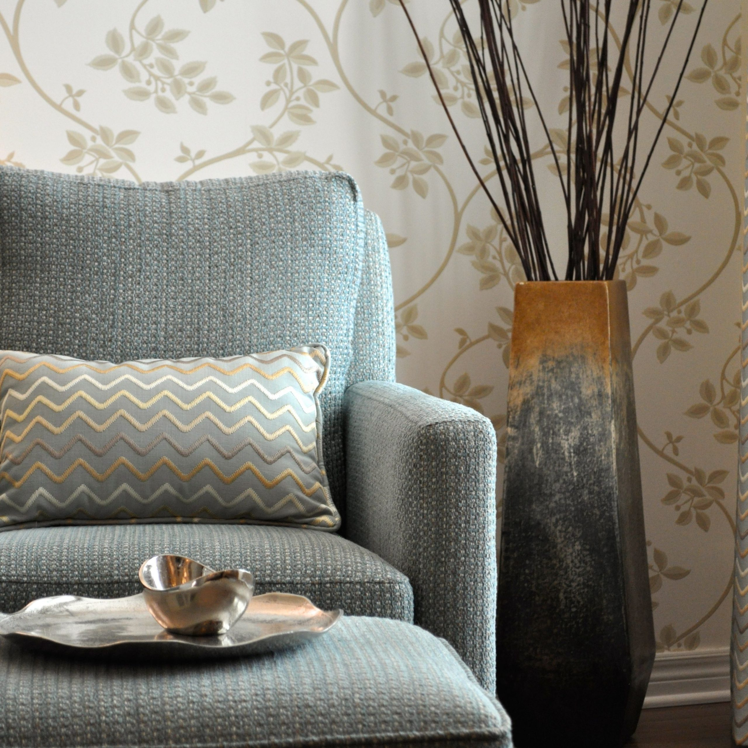 Widely Used Farrow And Ball Ringwold Wallpaper In A Living Room We With Ringwold Armchairs (View 3 of 20)