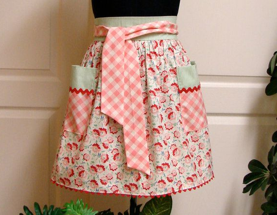 Modern Chic Half Apron Reproduction Flowers Pink Inside Well Liked Strine  (View 19 of 20)