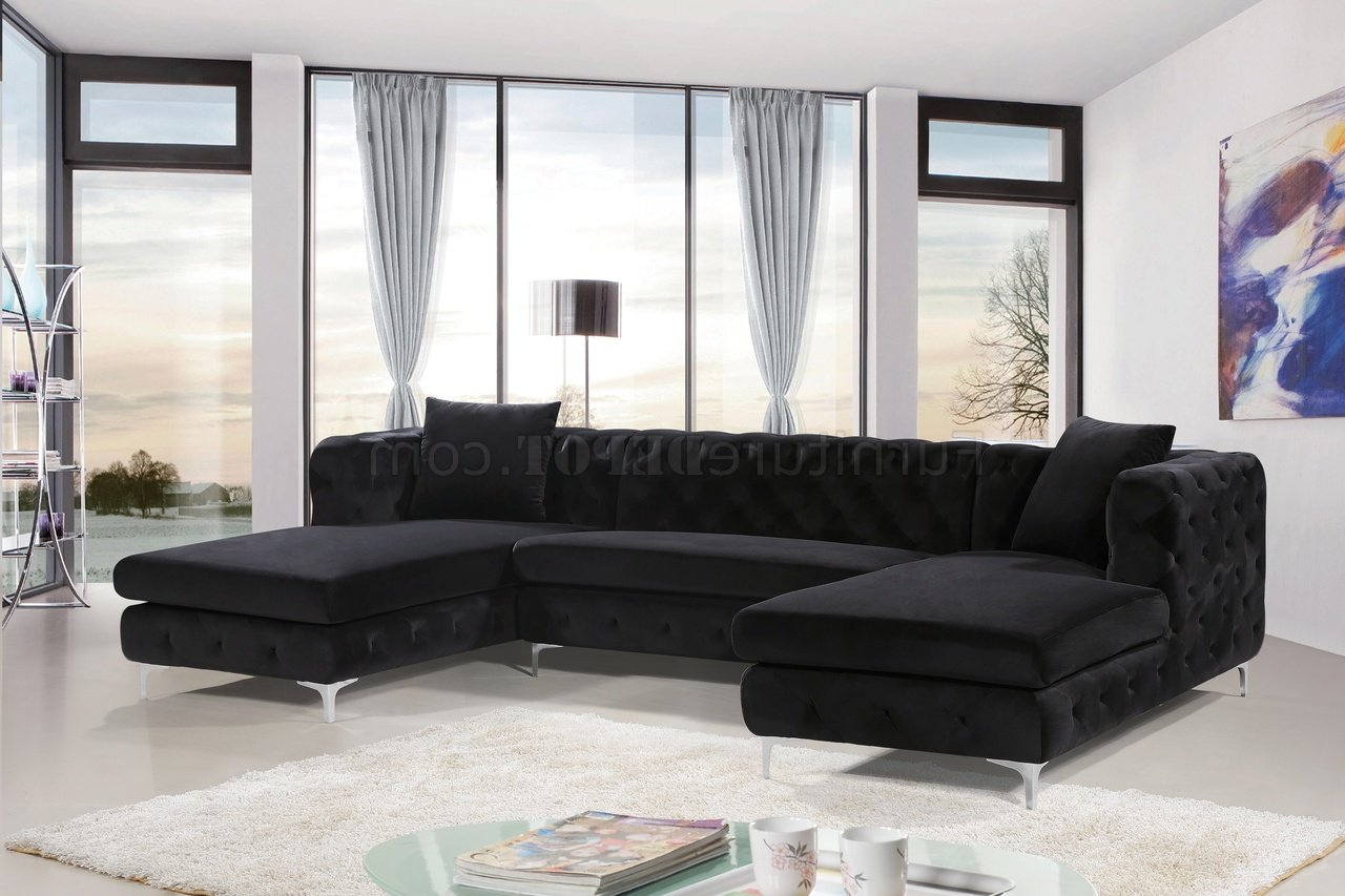 2pc Connel Modern Chaise Sectional Sofas Black Within 2018 Gail Sectional Sofa 664 In Black Velvet Fabricmeridian (View 9 of 20)