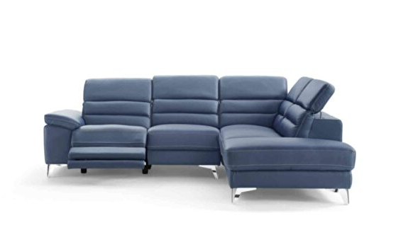 Bloutop Upholstered Sectional Sofas With Fashionable Sabrina Lf Black Sectional Sofa 667 (sprangler) Meridian (View 6 of 20)
