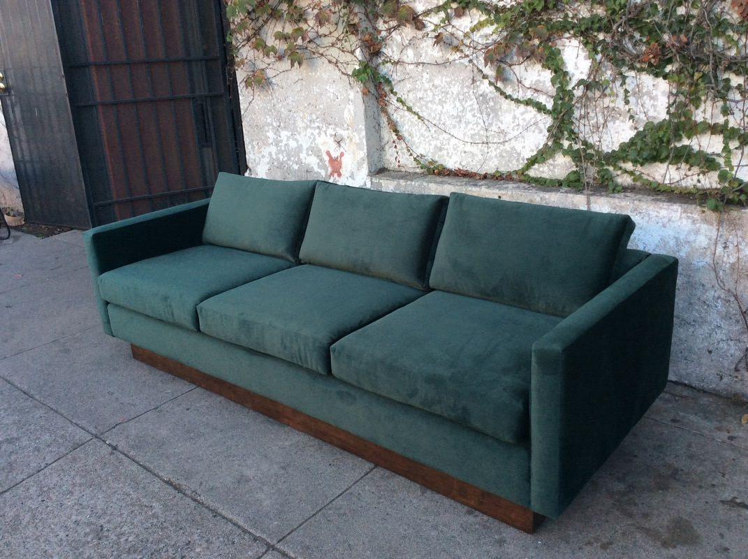 Florence Mid Century Modern Velvet Right Sectional Sofas With Regard To 2019 Mid Century Velvet Floating Sofa In Green (View 16 of 20)
