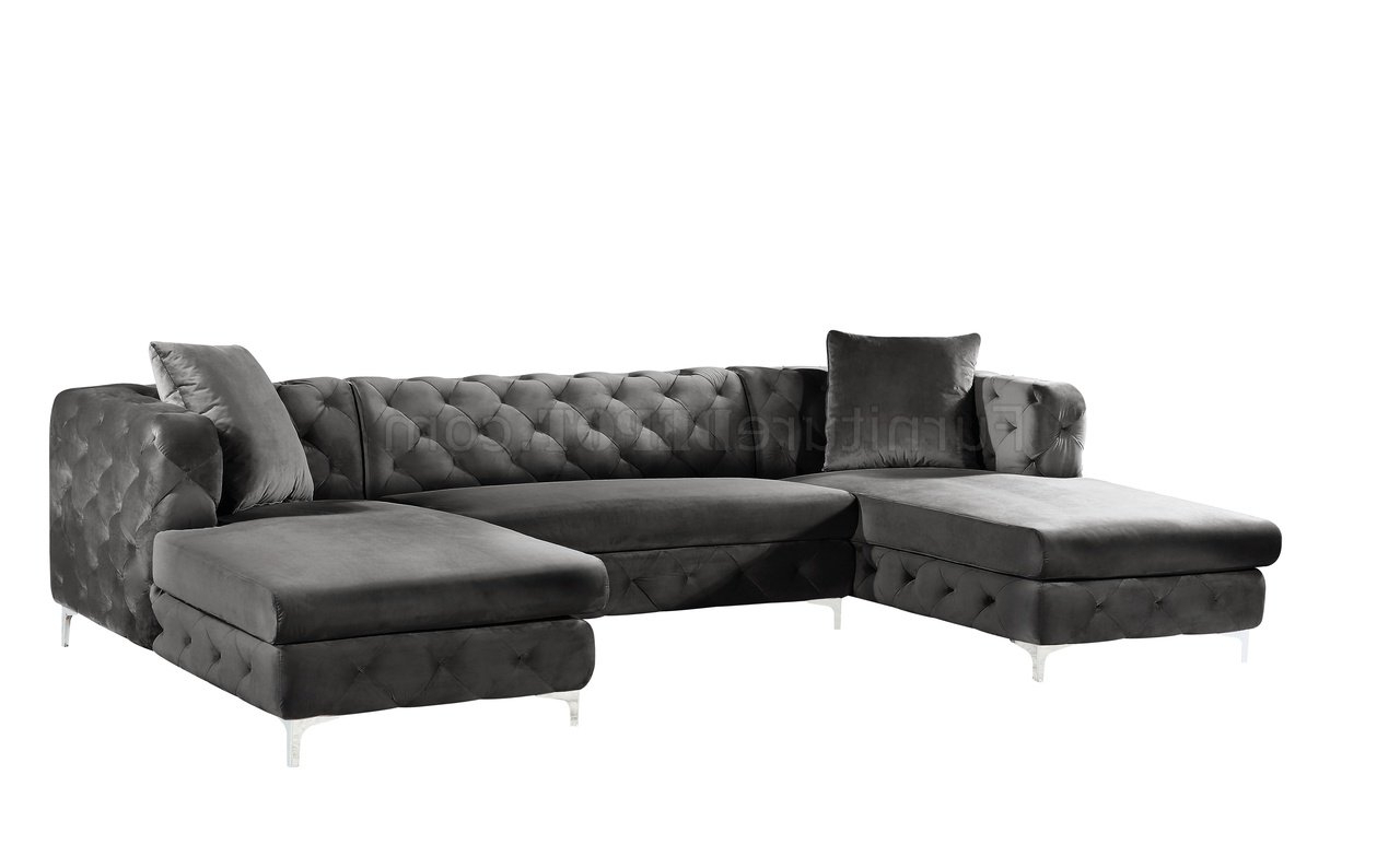 Gail Sectional Sofa 664 In Grey Velvet Fabricmeridian Within Well Liked French Seamed Sectional Sofas In Velvet (View 5 of 20)