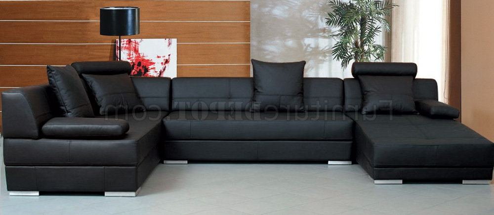 Latest Black Leather Modern Sectional Sofa W/throw Pillows In Wynne Contemporary Sectional Sofas Black (View 14 of 20)