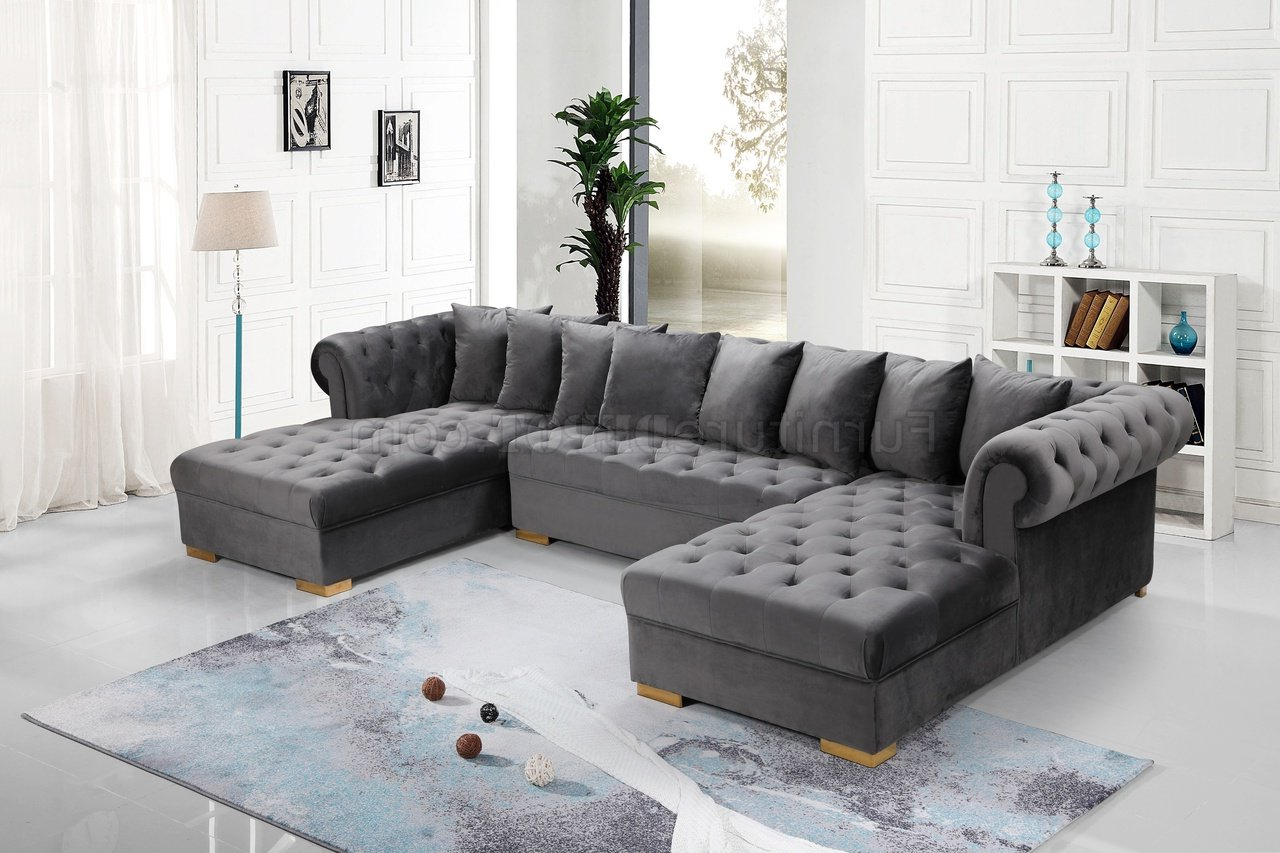 Most Up To Date Presley Sectional Sofa 698 In Grey Velvet Fabricmeridian Throughout Noa Sectional Sofas With Ottoman Gray (View 9 of 20)