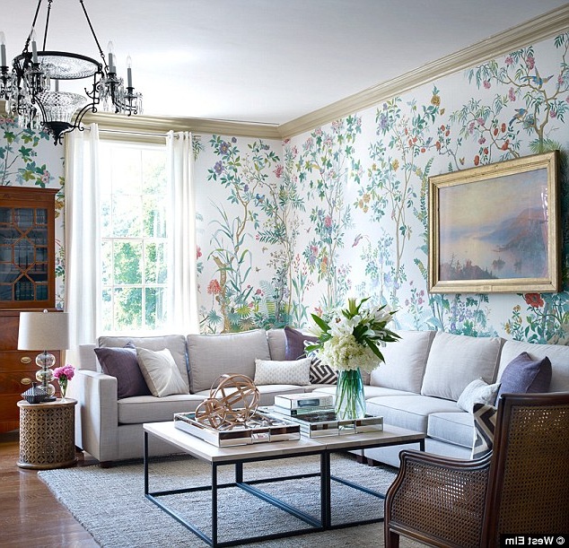Preferred Gracie Navy Sofas Intended For Bill De Blasio's Historic Gracie Mansion Gets Redecorated (View 11 of 20)