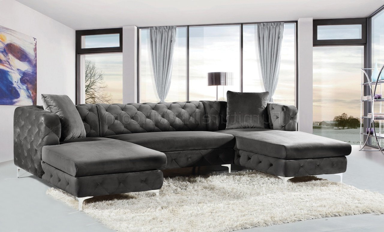 Well Known Gail Sectional Sofa 664 In Grey Velvet Fabricmeridian Pertaining To French Seamed Sectional Sofas In Velvet (View 8 of 20)